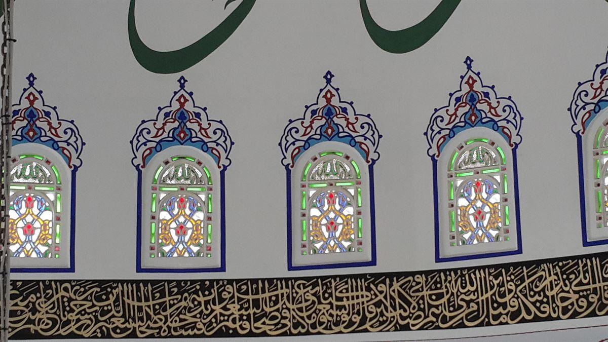 bekbele-camii-pencere-vitray-calismasi